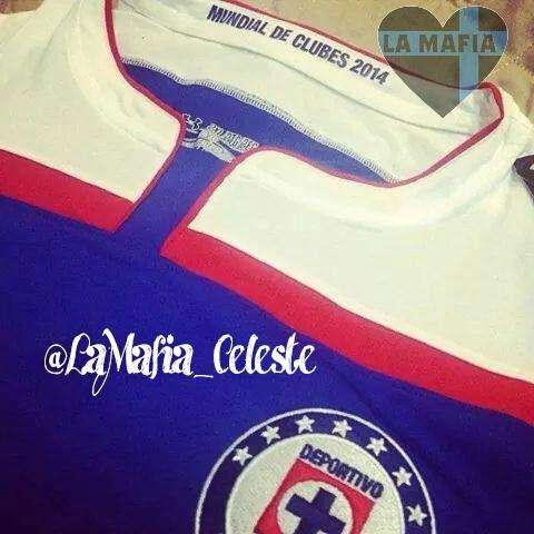 La posible playera de Cruz Azul para el Mundial de Clubes Foto: twitter @LaMafia_Celeste