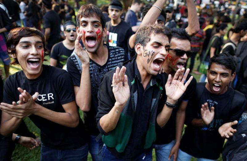 Gay rights activists shout slogans during a protest against a verdict by the Supreme Court to reinstate a ban on gay sex, in Mumbai in this December 15, 2013 file photo. Foto: Danish Siddiqui/Reuters