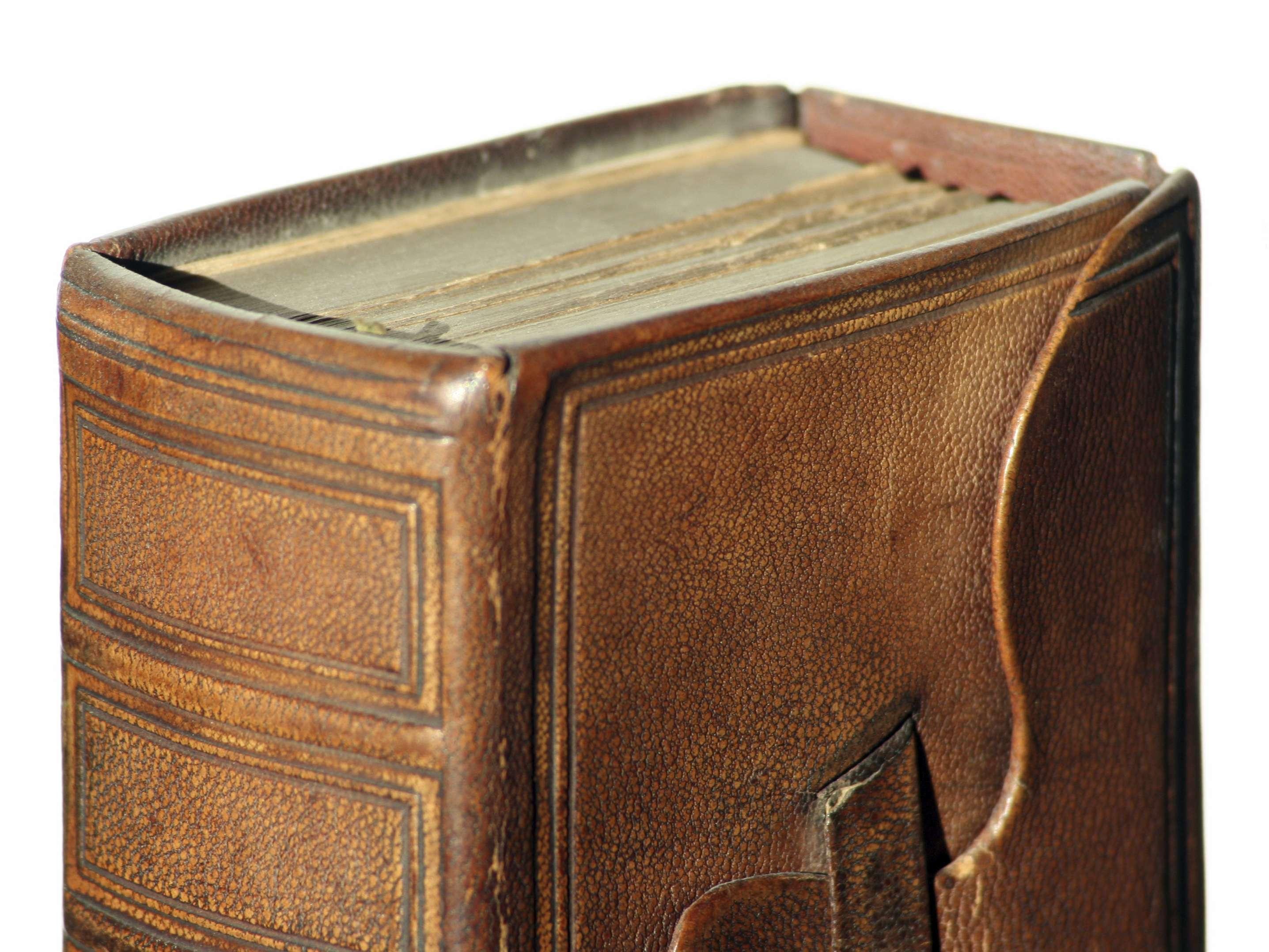 Algunos libros están forrados con piel de cadáver diseccionado. Foto: iStock