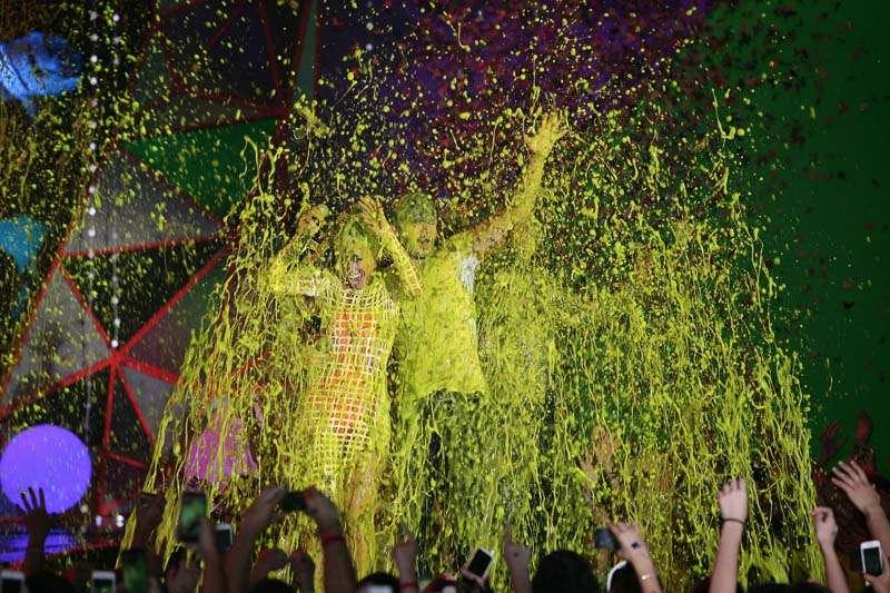 Famosos levam banho de meleca no 'Meus Prêmios Nick' Foto: AgNews