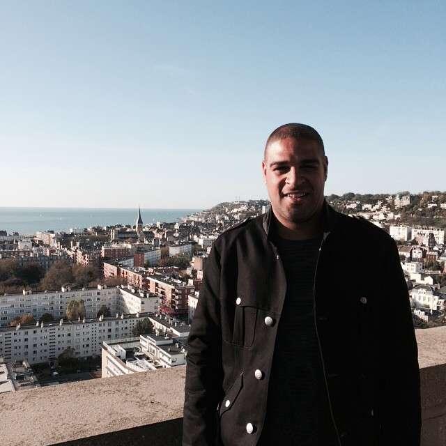Adriano chegou na França e ficará até terça-feira para negociar Foto: Instagram/ adrianoimperador/Reprodução