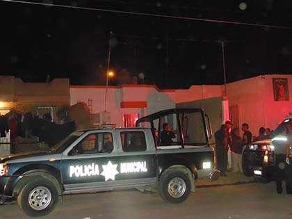 Policías municipales acordonaron la zona para las investigaciones. Foto: Aguasdigital.com