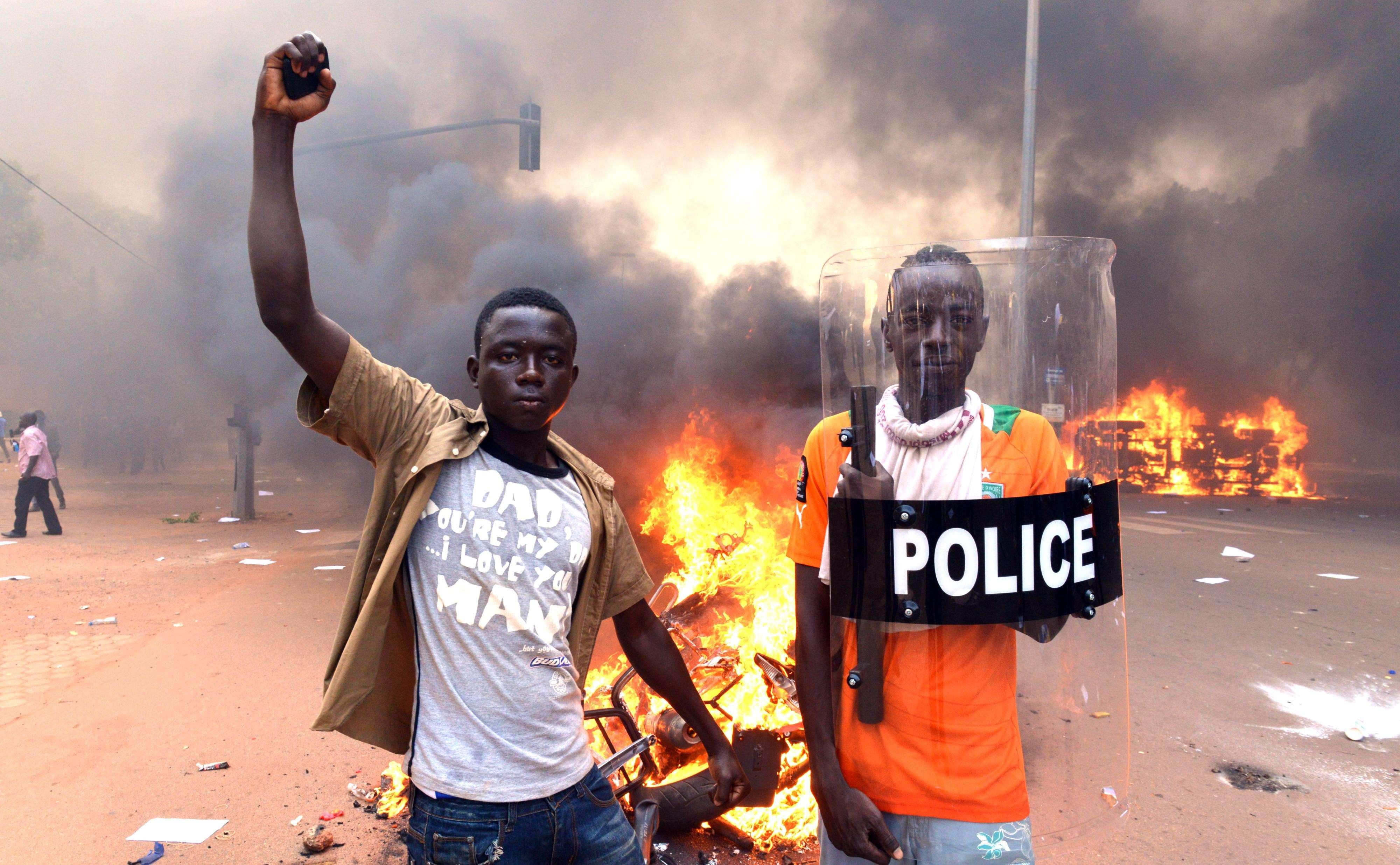 Protestos contra atual governo começaram na quarta-feira Foto: ISSOUF SANOGO/AFP