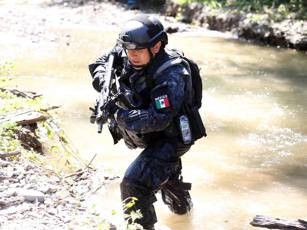 Un buzo de la Policía Federal murió durante las labores de búsqueda de los 43 estudiantes de la Normal Rural de Ayotzinapa en el río Cocula. Foto: Comisión Nacional de Seguridad (CNS)