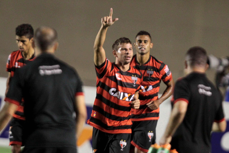 Atlético-GO venceu por 3 a 1 Foto: Carlos Costa/Futura Press