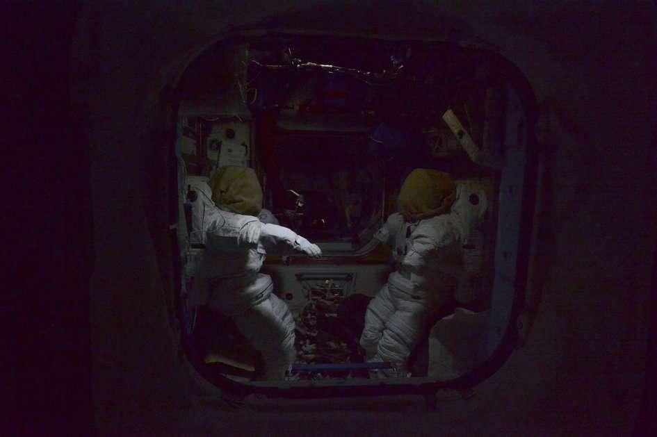 Imagen tomada por el astronauta alemán Alexander Gerst en la Estación Espacial Internacional, mientras sus cinco compañeros de misión dormían. Foto: ESA/NASA