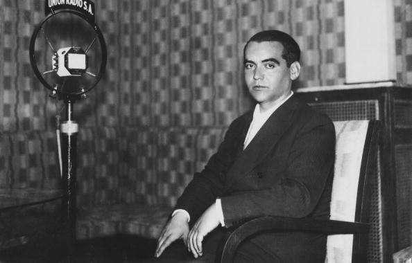 Además de ser un icono cultural, García Lorca es símbolo de las miles de víctimas del franquismo por las trágicas circunstancias que rodearon su muerte. Foto: Archivo/Getty Images