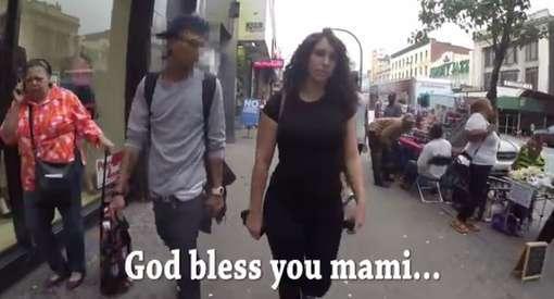 Foto: Cena do vídeo que viralizou na internet mostrando assédio contra uma atriz nas ruas de Nova Iorque, nos Estados Unidos (Foto: Reprodução)