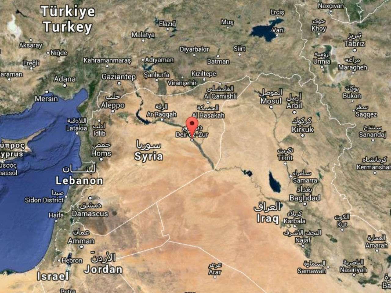 El EI controla la mayor parte de la provincia siria de Deir al Zur, fronteriza con Irak, donde solo están fuera de su dominio algunos barrios de su capital homónima y el aeropuerto. Foto: Google Maps