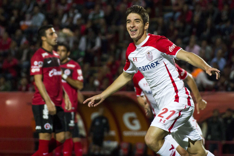 Con gol de Isaac Brizuela los Diabnlos Rojos del Toluca lograron su clasificación al vencer 1-0 a Xolos en Tijuana. Foto: Imago7