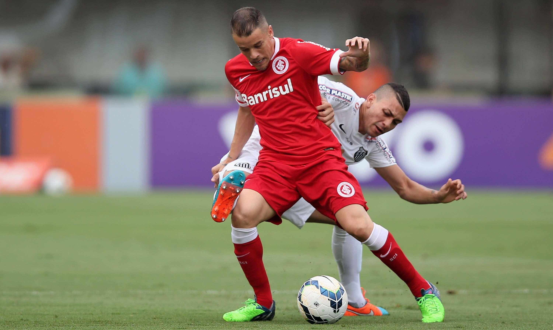 D'Alessandro deu uma bela assistência para Aránguiz, que fez o único gol do primeiro tempo Foto: Friedmann Vogel/Getty Images