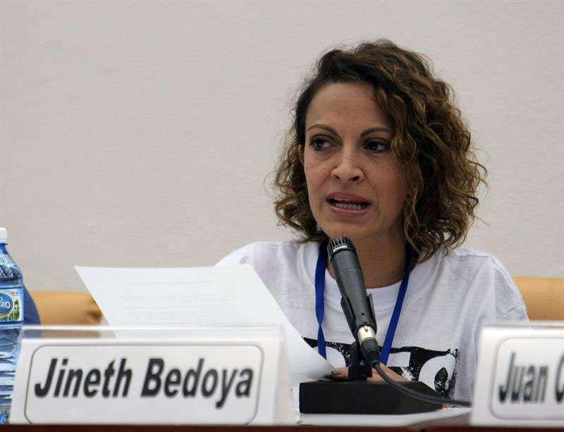 Integrantes del cuarto grupo de víctimas del conflicto armado que se reúnen en La Habana (Cuba) responden a preguntas en una conferencia de prensa al término de su encuentro con los integrantes de las Farc y el Gobierno colombiano. Foto: EFE en español