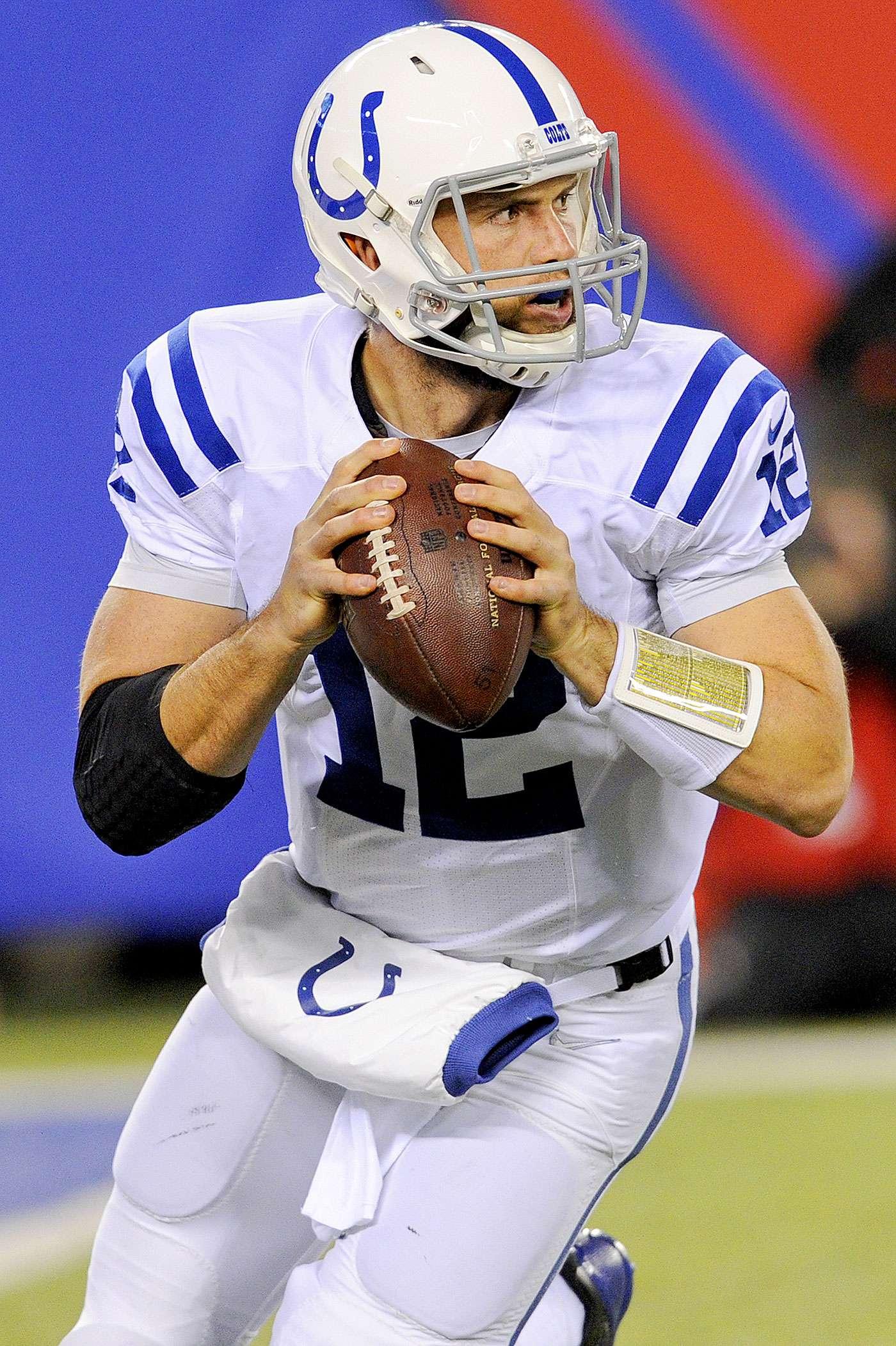 Andrew Luck lanzó cuatro pases de anotación y la defensiva de los Indianapolis Colts mantuvo a raya a Eli Manning para doblegar por 40-24 a los New York Giants en el tradicional Lunes por la Noche de la Semana 9 de la NFL 2014. Foto: AP