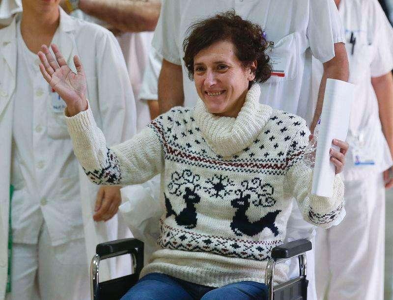 Enfermeira espanhola Teresa Romero deixa hospital em Madri nesta quarta-feira. Foto: Andrea Comas/Reuters