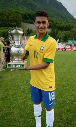 Erik comemora título com Seleção Brasileira sub-20 Foto: Goiás EC/Divulgação/Divulgação