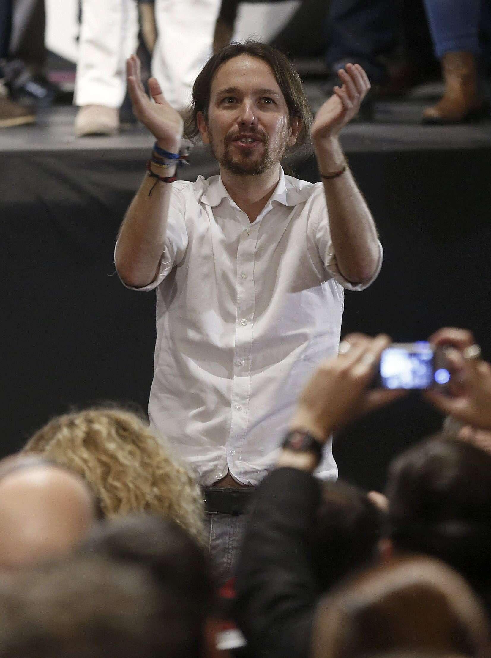 El líder de Podemos, Pablo Iglesias, durante el acto de clausura de la Asamblea Ciudadana en el que han dado a conocer la nueva dirección, hoy en el Teatro Nuevo Apolo de Madrid. Foto: EFE en español