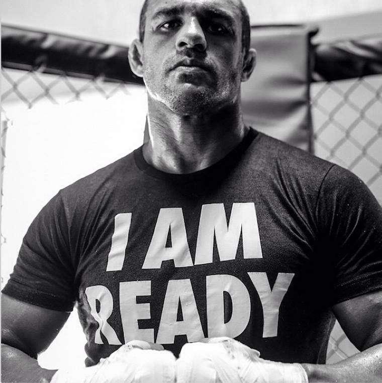Vitor disse estar pronto para lutar 5 rounds pela primeira vez na carreira Foto: Facebook/Reprodução
