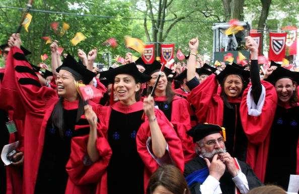 """La denuncia señala que Harvard no se ha plegado a los nuevos estándares de estricto examen articulados en 2013 por la Corte Suprema de Estados Unidos tras un caso contra la Universidad de Texas y según los cuales las facultades deben """"implementar medios racialmente neutros para conseguir diversidad en el alumnado"""" Foto: Getty Images/Archivo"""