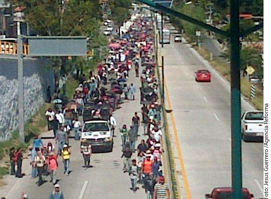 Afecta marcha Autopista del Sol Foto: Agencia Reforma