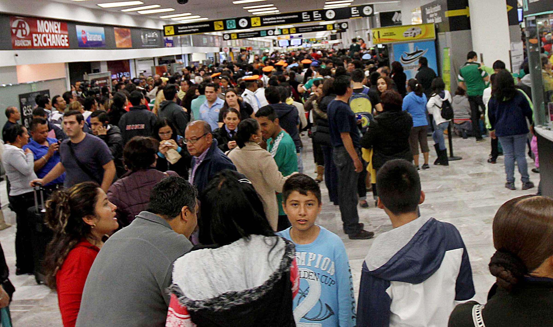 Los viajeros que no lleguen a tiempo están protegidos por un seguro. Foto: Notimex