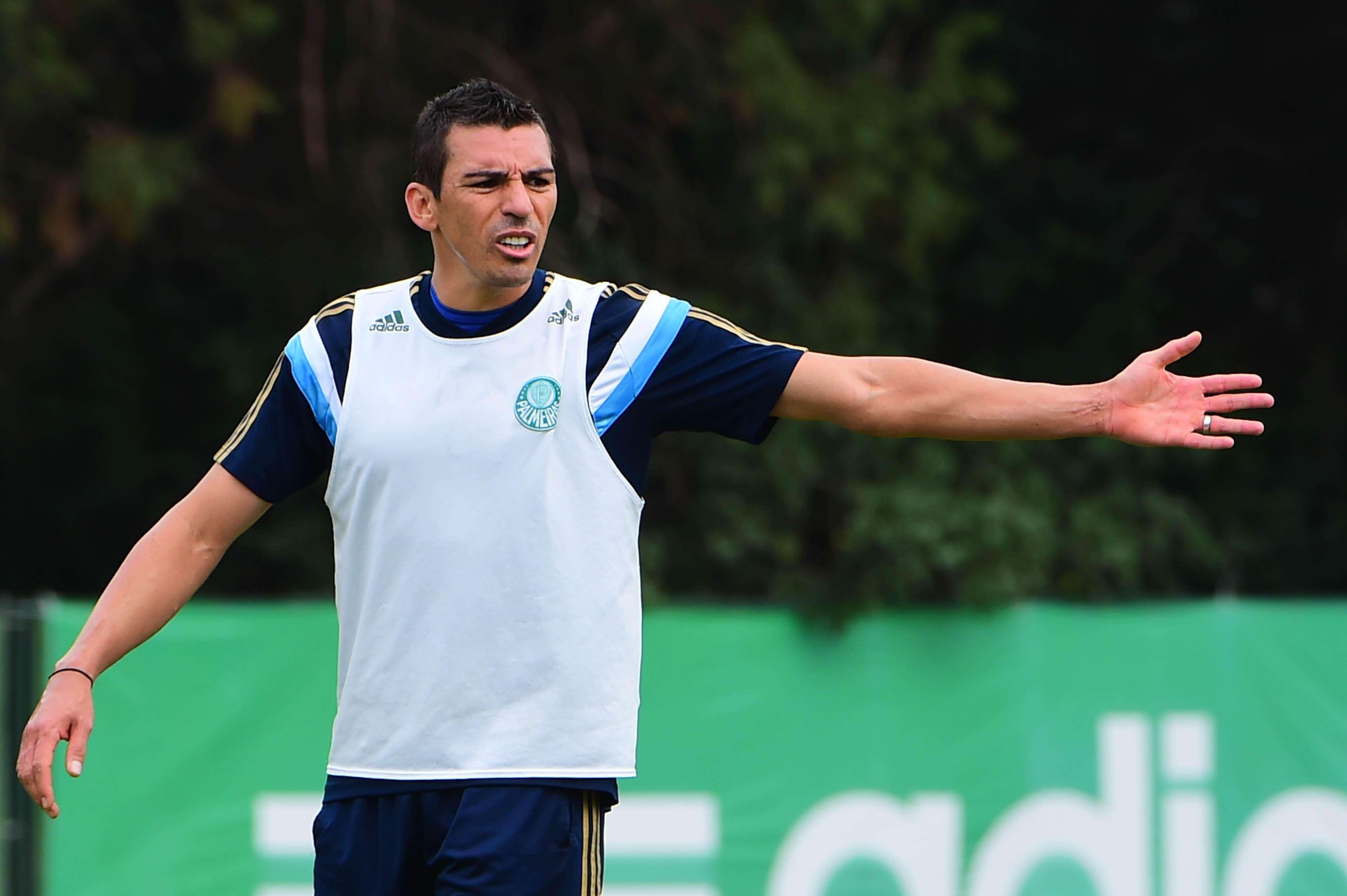 Lúcio treinou normalmente no Palmeiras Foto: Sergio Barzaghi/Gazeta Press