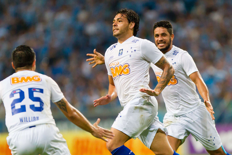 Ricardo Goulart fez um dos gols da virada cruzeirense Foto: Jeferson Guareze/Futura Press