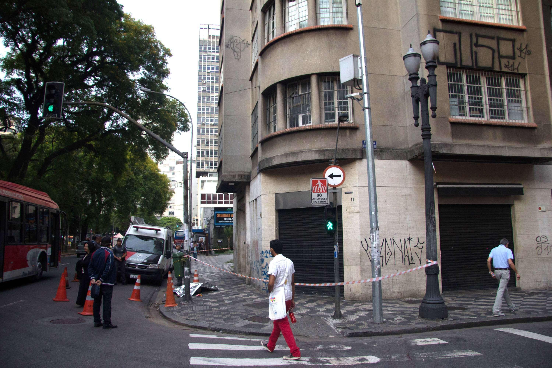 Pichador morre após cair de edifício em São Paulo Foto: Leonardo Benassatto/Futura Press