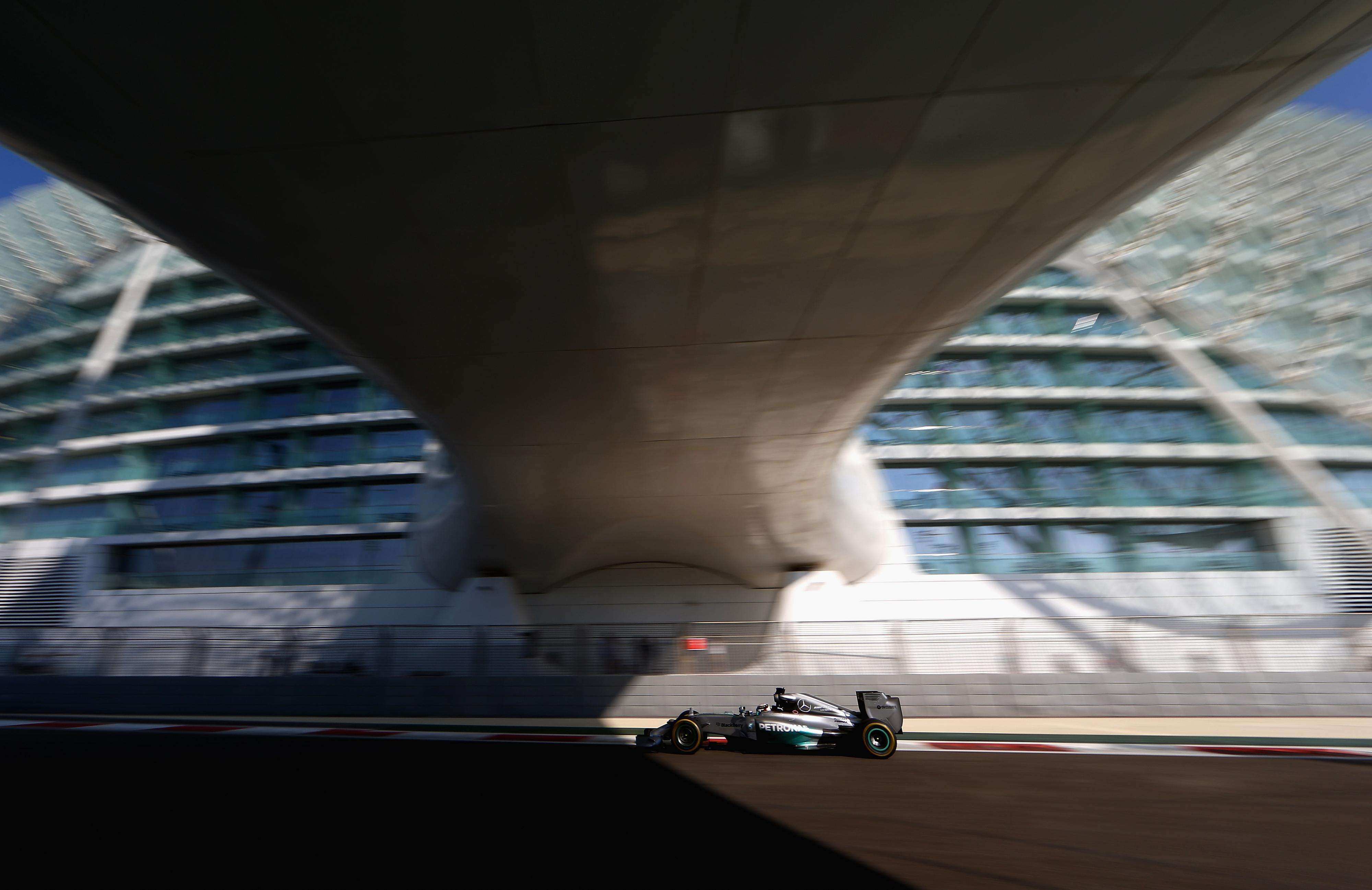 El auto de Lewis Hamilton en la práctica de Abu Dhabi Foto: Gettyimages