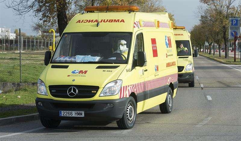 La ambulancia que trasladó a la médico cooperante española que podría haberse contagiado de ébola en Malí. Foto: EFE en español