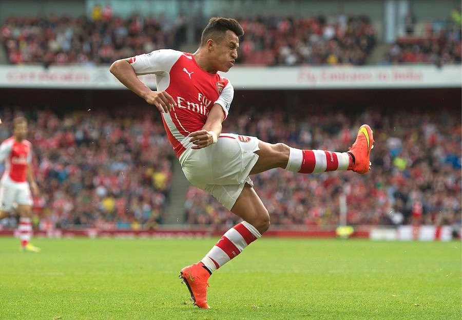 Alexis y el Arsenal reciben al Manchester United. Foto: Agencia UNO