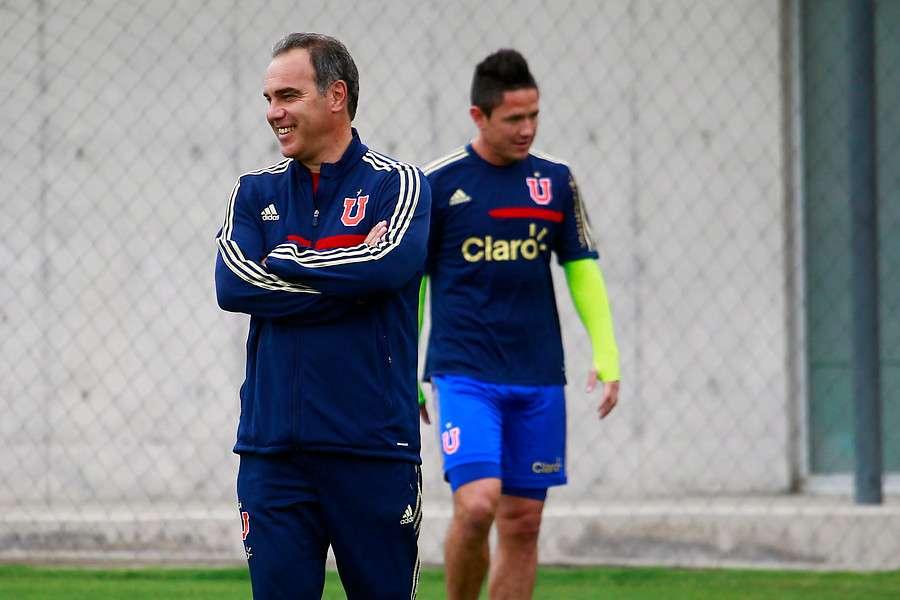 Lasarte confirmó la recuperación de Gustavo Canales. Foto: Agencia UNO