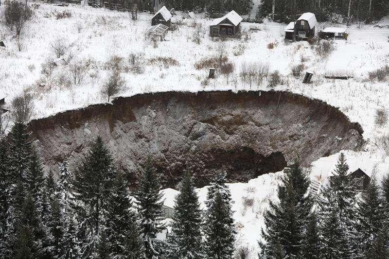 El socavón se abrió a 3,5 kilómetros de la mina Solikamsk 2 en la región de Perm, Rusia. Foto: EFE en español