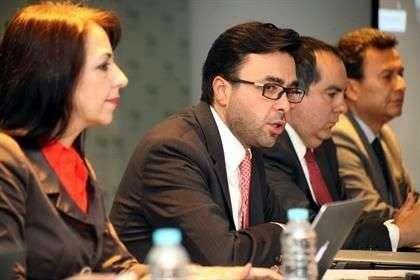 El IFT informó que recibió las ofertas económicas y de cobertura de tres empresas, de entre las cuales se escogerán a el o los ganadores el 19 de marzo de 2015 Foto: Reforma/Óscar Mireles