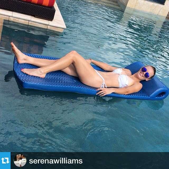 Caroline Wozniacki curte férias de biquíni Foto: Instagram/Reprodução