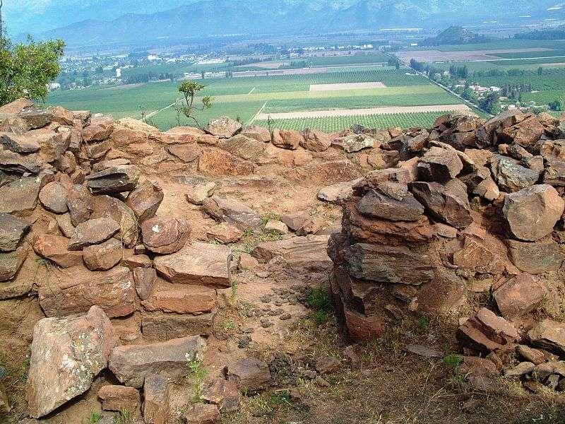 Retroexcavadoras dañaron las piedras del Pucará en Cerros de Chena. Foto: Archivo