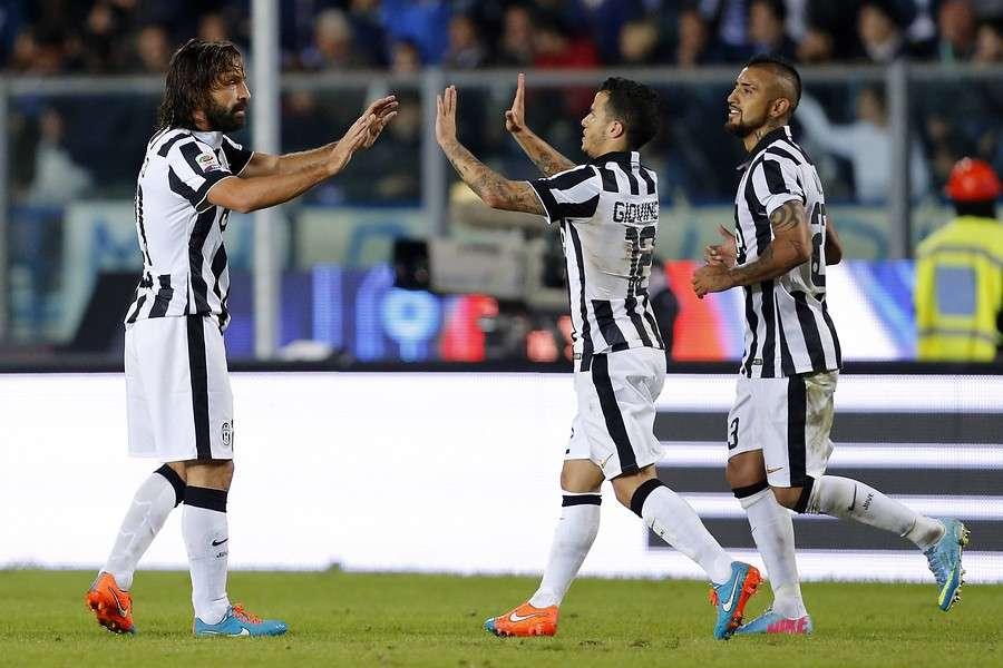 Con Vidal en cancha la Juve golea a Lazio y sigue en puntaArturo Vidal jugó el segundo tiempo en la sólida victoria por 3-0 como visita de la Juventus ante Lazio por la fecha 12 de la Serie A y sigue como exclusivo líder. Foto: Agencia UNO