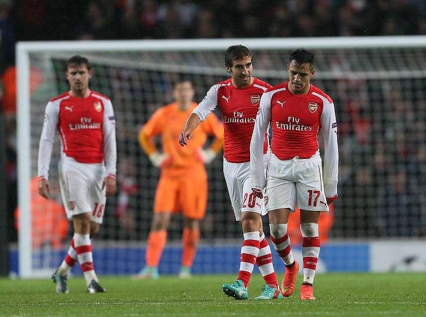 Alexis batalló duro, pero no le bastó al Arsenal. Foto: Agencia UNO