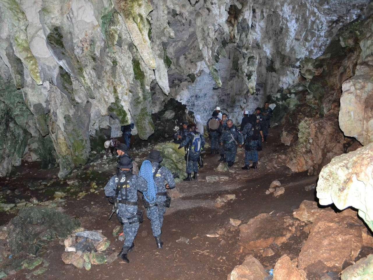 Búsqueda de normalistas se extiende a cuevas en Guerrero Foto: Comisión Nacional de Seguridad (CNS)