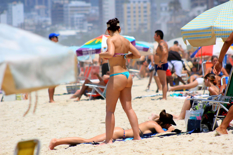 Cariocas aproveitaram o sábado ensolarado para curtir as praias da cidade Foto: Ellan Lustosa/Futura Press