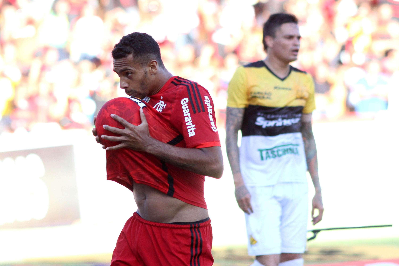 Apesar de empate, Flamengo rebaixou Criciúma Foto: Fernando Ribeiro/Futura Press