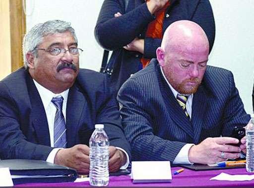 Mientras se discutían temas de presupuesto y salud, alcaldes miraban videos en su celular. Foto: Vanguardia