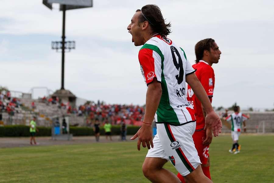 Renato Ramos anotó dos goles para Palestino. Foto: Agencia UNO