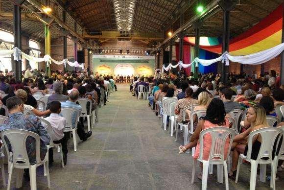 Rio faz maior cerimônia coletiva de casamento gay do mundo Foto: Flávia Villela/Agência Brasil