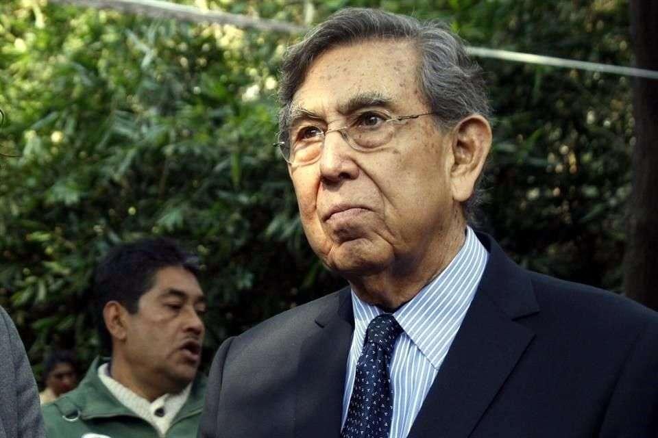 Cárdenas exigió liberar a detenidos en Zócalo. Foto: Reforma