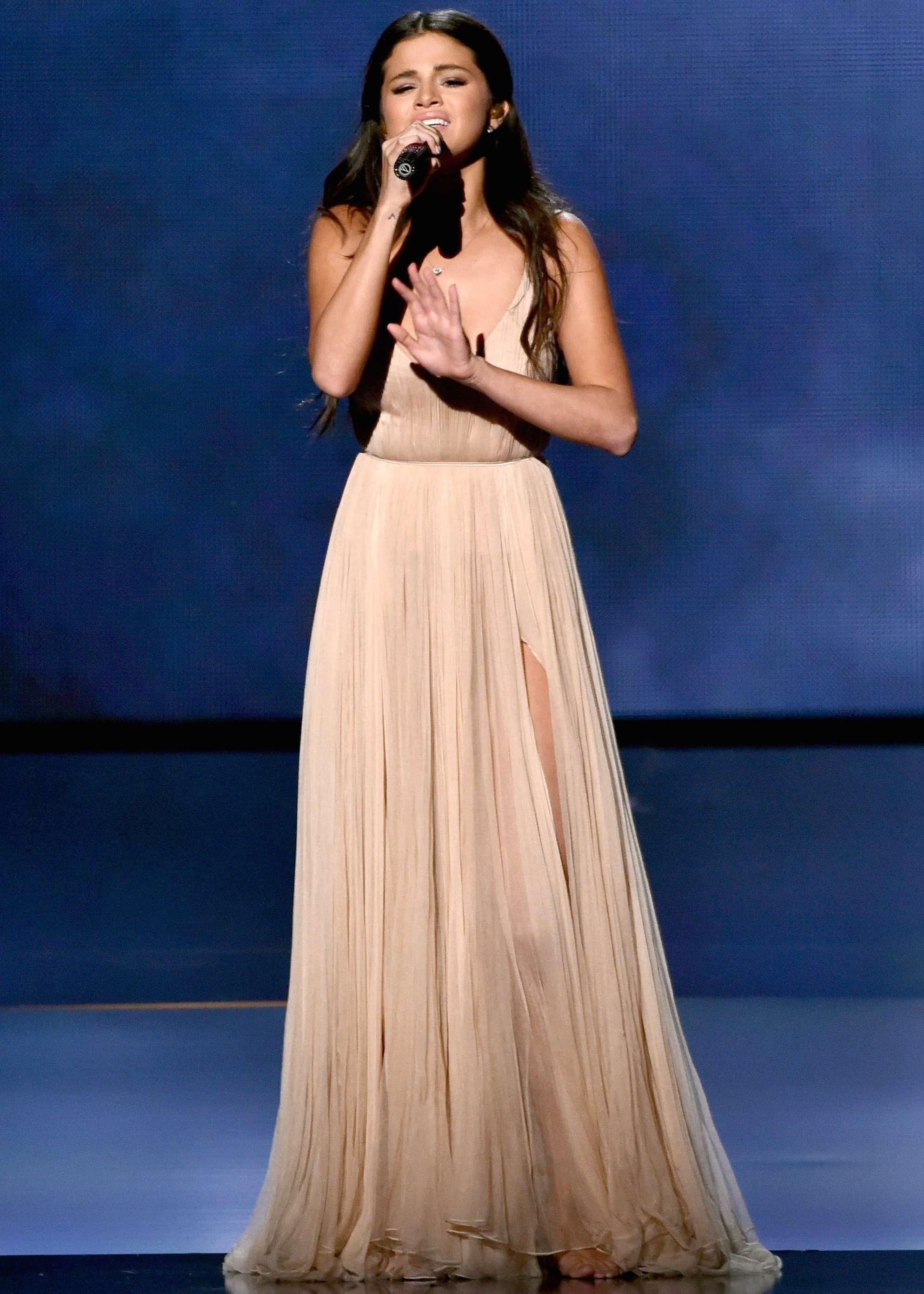Selena Gómez conmovió con su interpretación de 'The Heart Wants What It Wants'. Foto: Getty Images