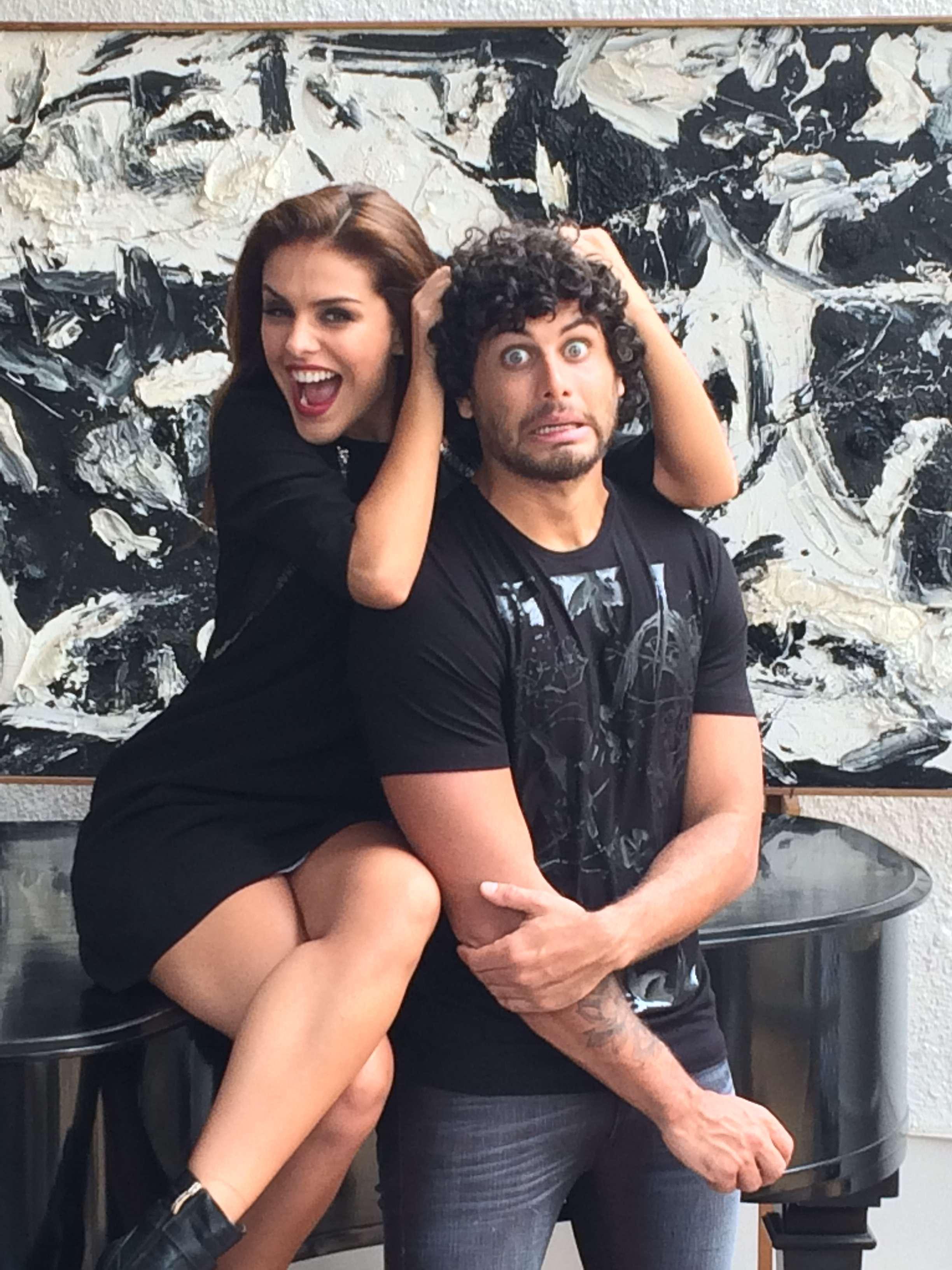 Jesus Luz e Paloma Bernardi tiraram fotos para nova campanha e brincaram no estúdio Foto: Divulgação