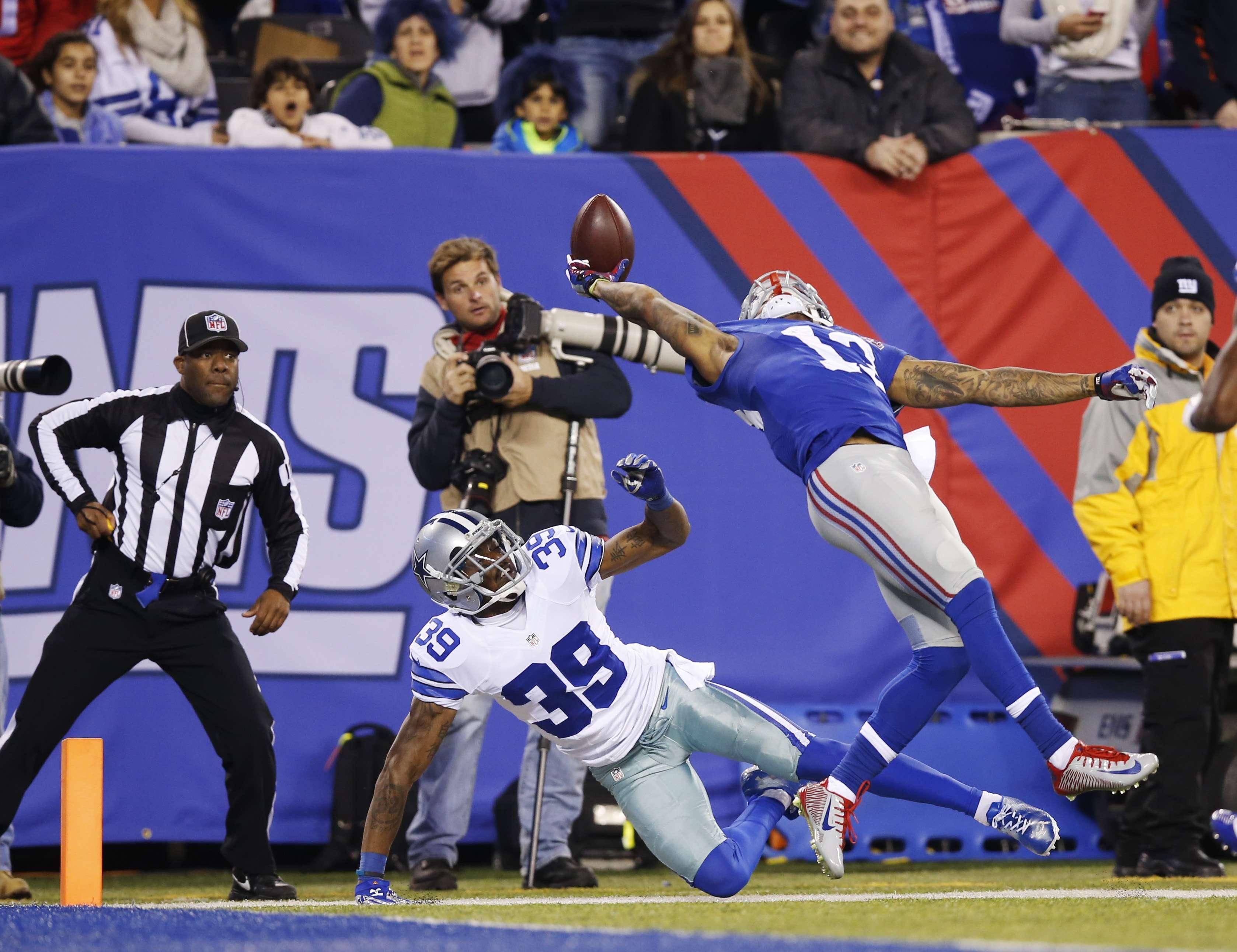 Odell Beckham Jr, con una atrapada impresionante en el duelo ante los Dallas Cowboys. Foto: AP