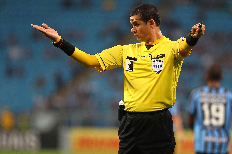 Ricardo Marques Ribeiro é lembrado por erro no jogo entre Santos e Goiás Foto: Lucas Uebel/Getty Images