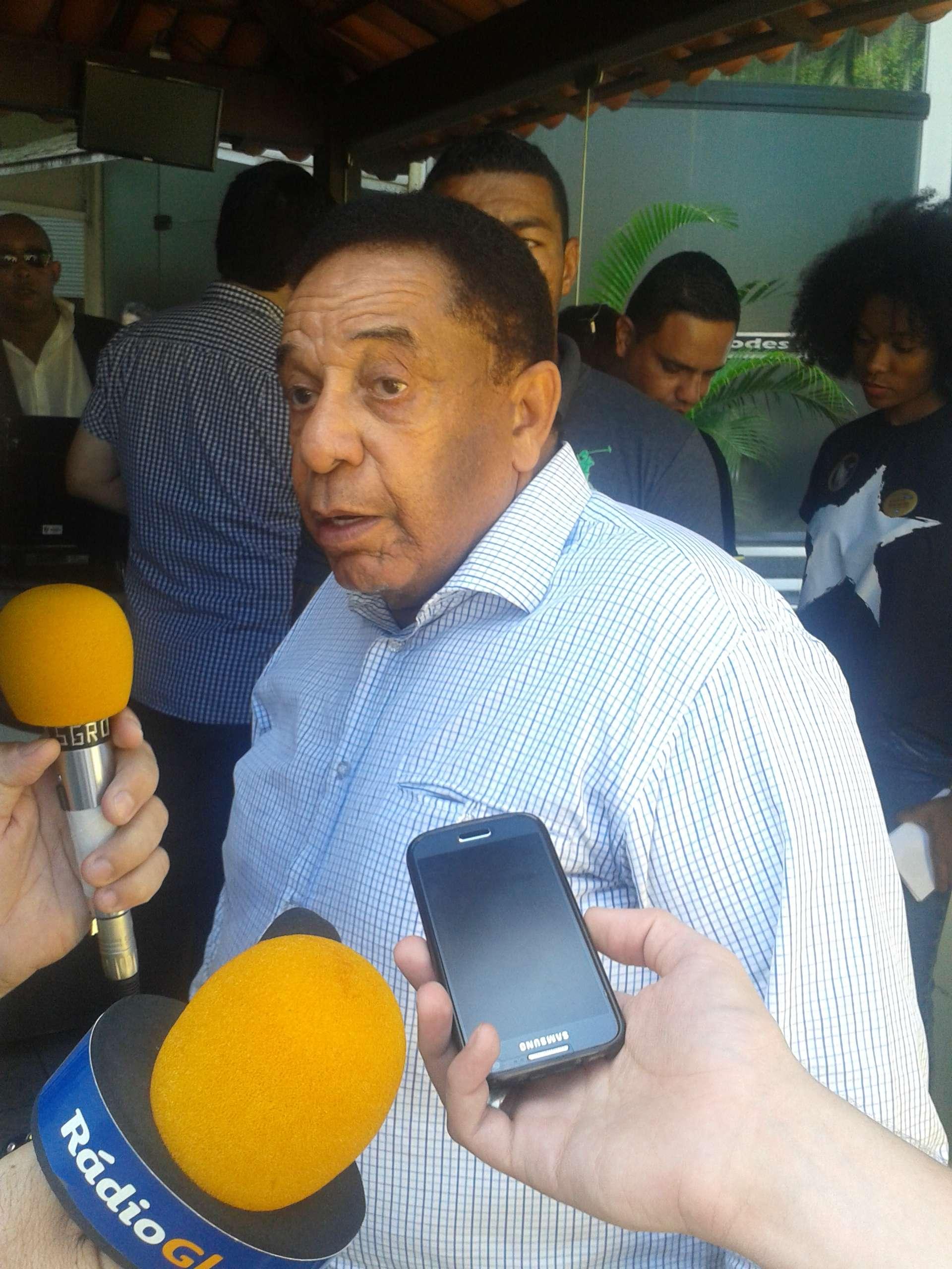 Agnaldo Timóteo comparece às eleições do Botafogo Foto: Luiz Gustavo/Agência Lance