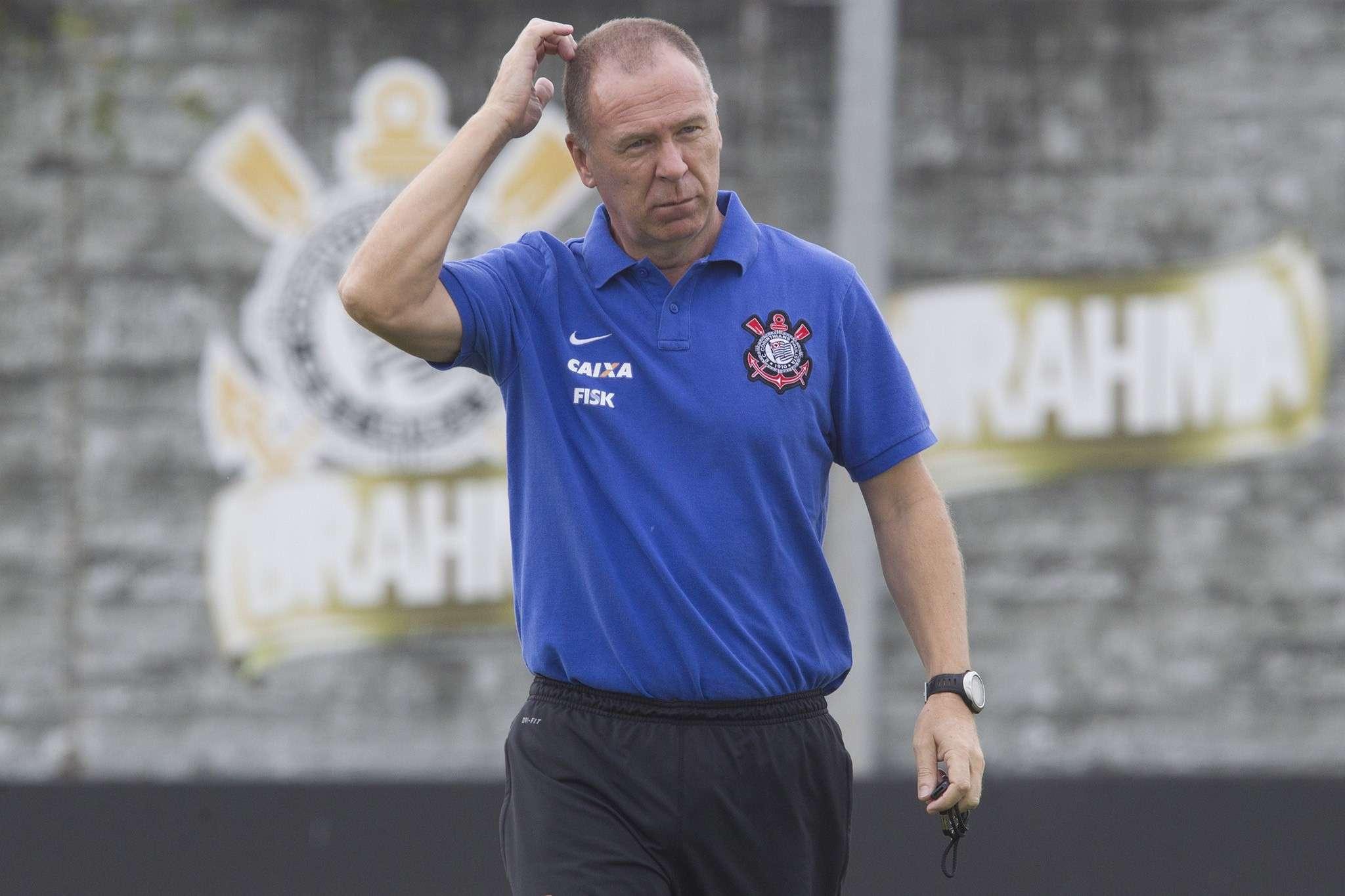 Permanência de Mano Menezes passou a ser cogitada após boa sequência Foto: Daniel Augusto Jr./Agência Corinthians